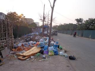 Xe gom rác: Giải quyết thực trạng tồn đọng